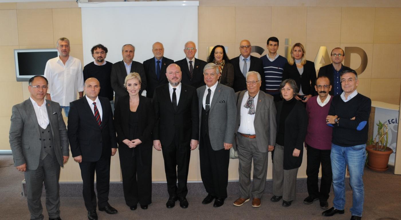 İzmir Medya Platformu İle Buluşan EGİAD Başkanı Aslan, 2020'de Ekonomide Toparlanma Bekliyoruz