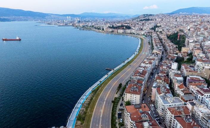 İzmir'de yaralar sarılmaya devam ediyor