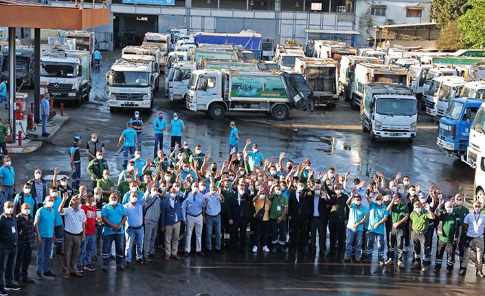 Batur, belediye çalışanları ile bayramlaştı