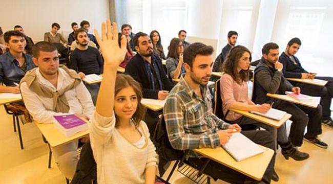 İzmir Büyükşehir Belediyesi 5 bin üniversite öğrencisini destekleyecek